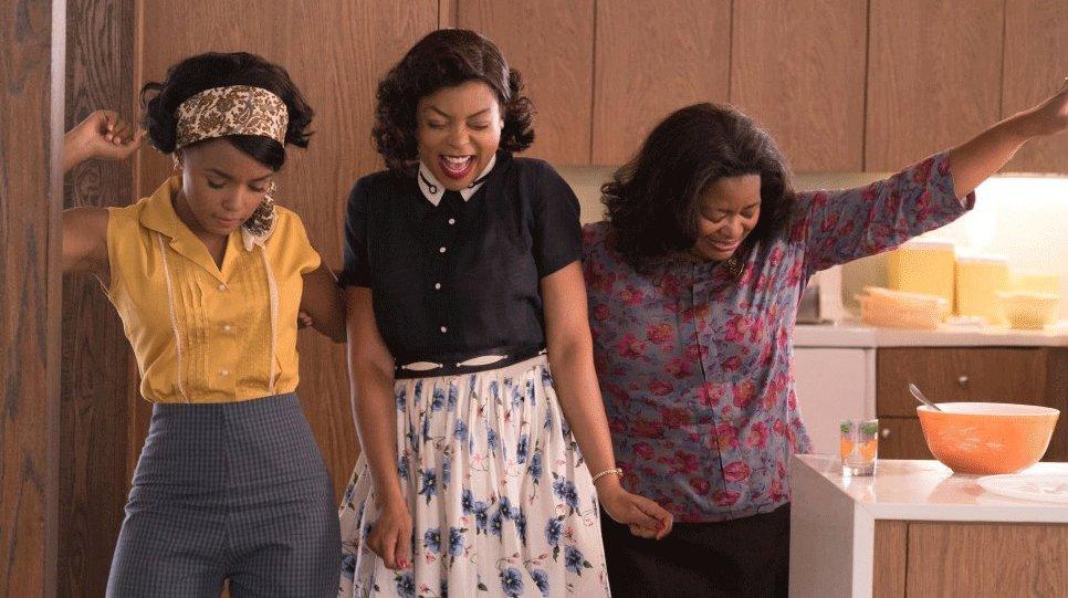 Contre toute attente, 3 femmes afro-américaines contribuent à la conquête spatiale  http:// cinplx.co/2iudbLE  &nbsp;   #wednesdaywisdom #HiddenFigures<br>http://pic.twitter.com/D1qBCAOUht