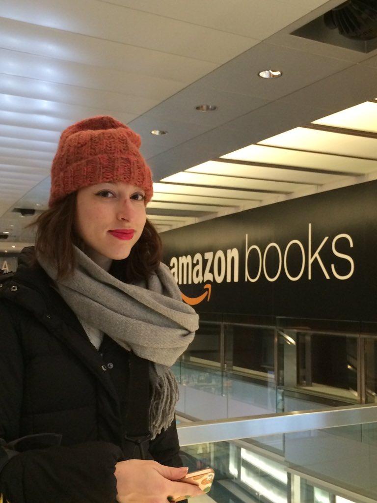 #Amazon bols ouvrira cet été à NY au mall Columbus circle #nrf17<br>http://pic.twitter.com/3gPVfIcFop