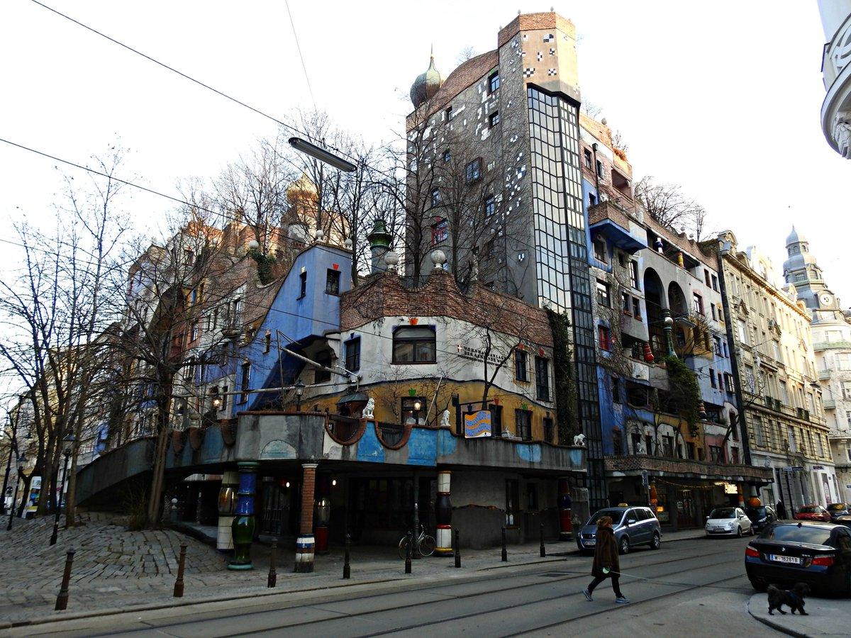 Hundertwasserhaus... unha marabilla de #Viena #Austria<br>http://pic.twitter.com/7kvS3JD3PH