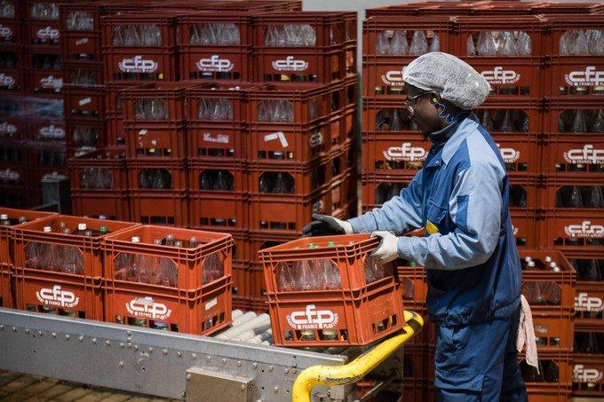La #Bretagne veut relancer la consigne des bouteilles en verre #environnement  http:// bit.ly/2iBYztL  &nbsp;  <br>http://pic.twitter.com/GMZB9UV9xX