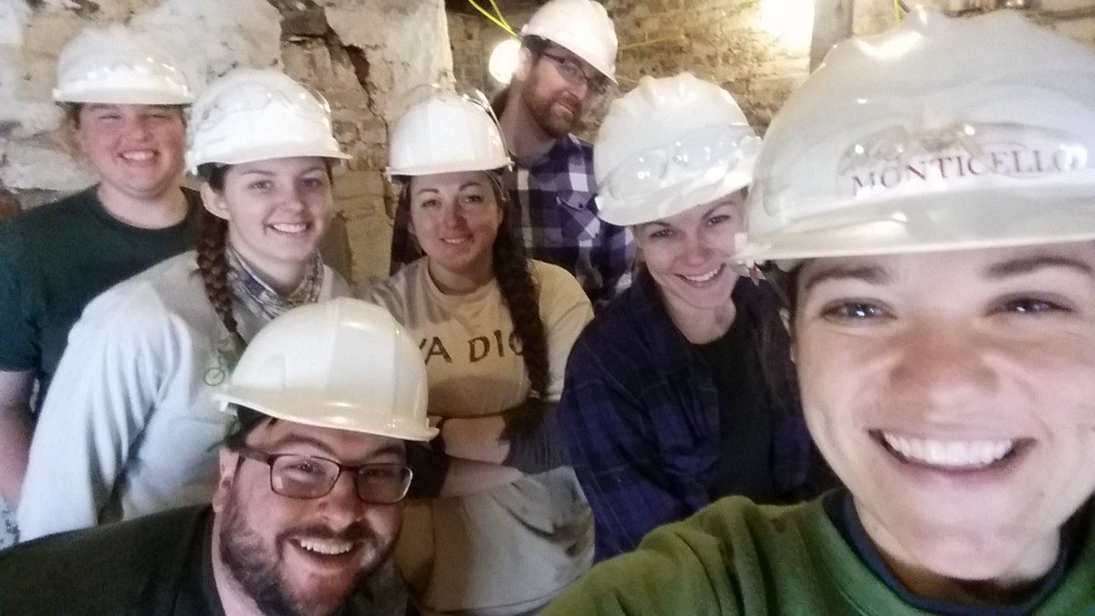 Best way to celebrate finding a stair case under Jefferson&#39;s South Pavilion?? A #Museumselfie! #BestArchaeologistsEver #woohoo <br>http://pic.twitter.com/nzekyZbTsO