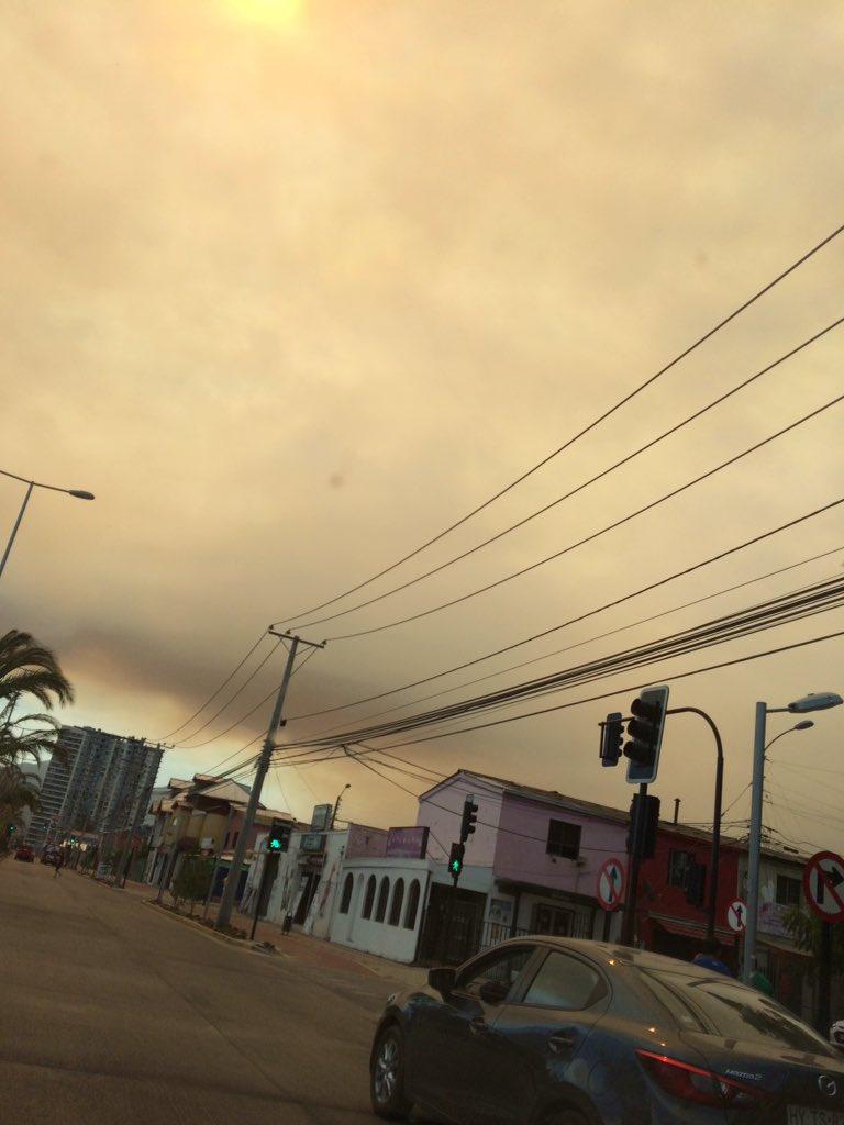 @PatoFellay ya está llegando la nube de humo a Rancagua  por los #IncendiosForestales  cc @biobio  @Cooperativa @lun @TerraChile @T13