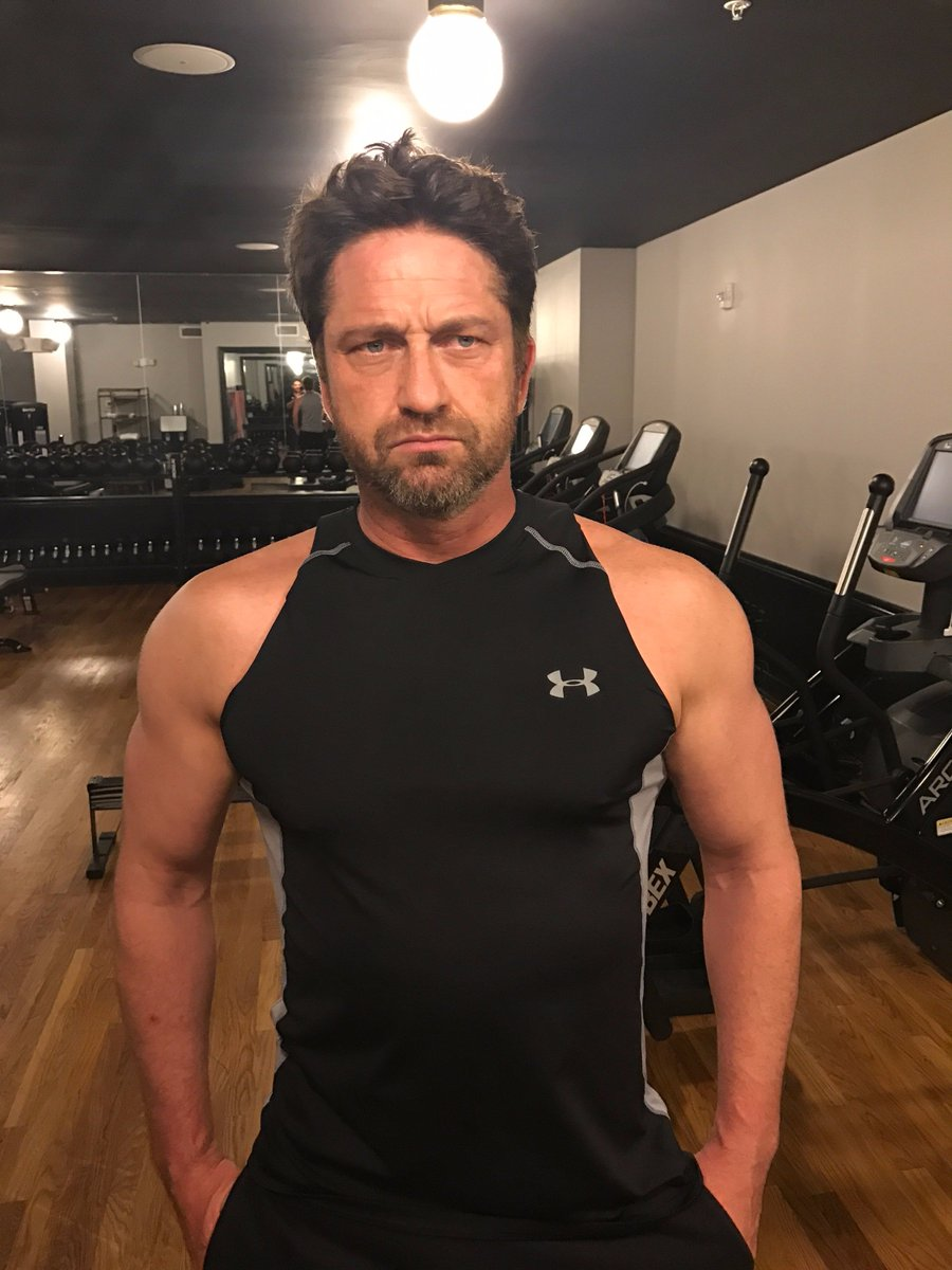 Gerard Butler On Twitter Game Time Getting Pumped For