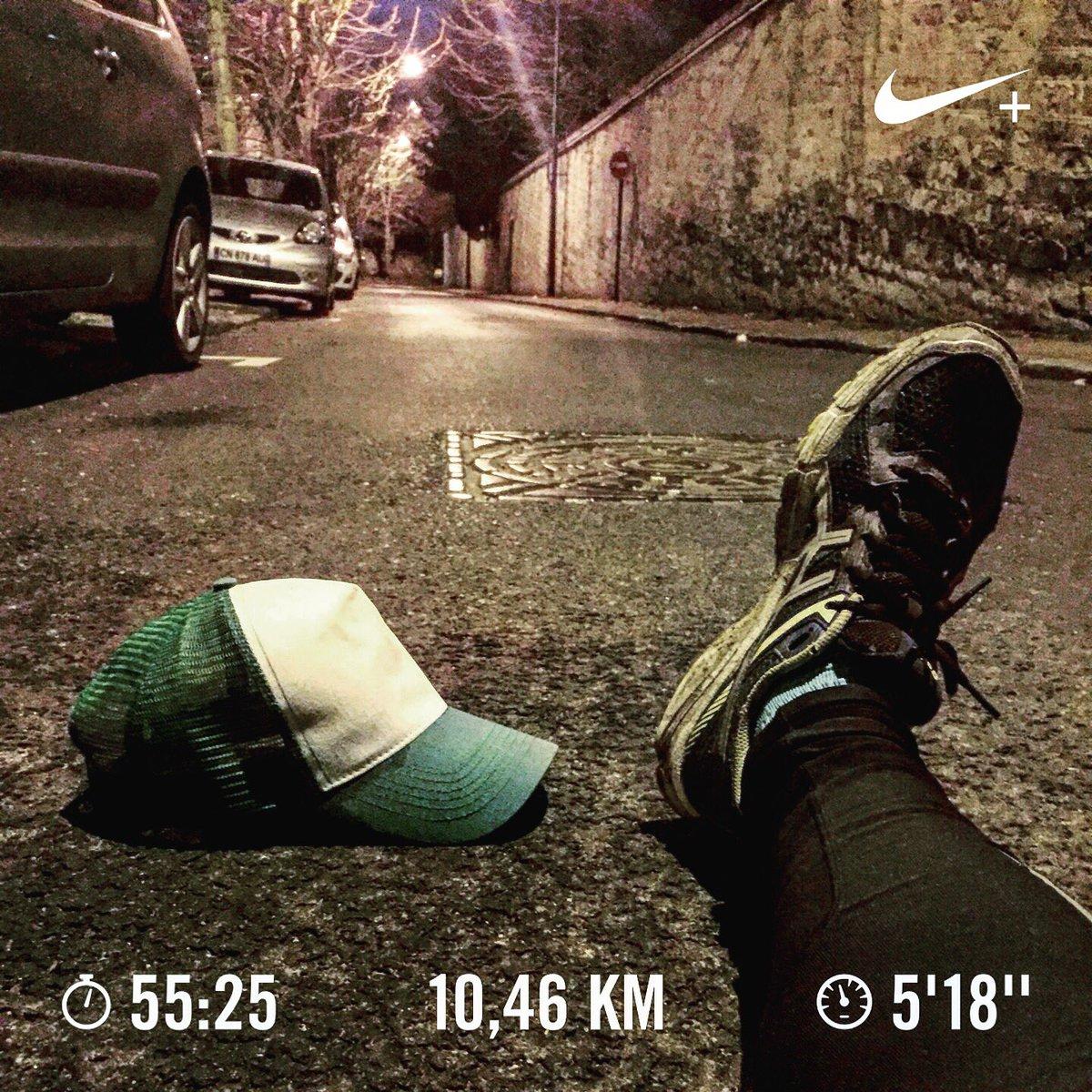 Séance dénivelé  Je monte en courant mais c&#39;est pas encore facile facile  La prépa continue  #CasquetteVerte #Running #Trail <br>http://pic.twitter.com/hM1w6KOuZS