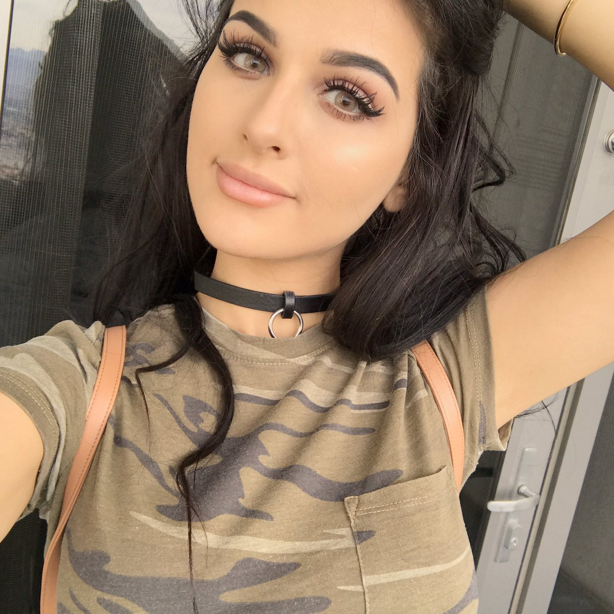 Why Is Rich Yougalery Star Sssniperwolf Dating Sausage