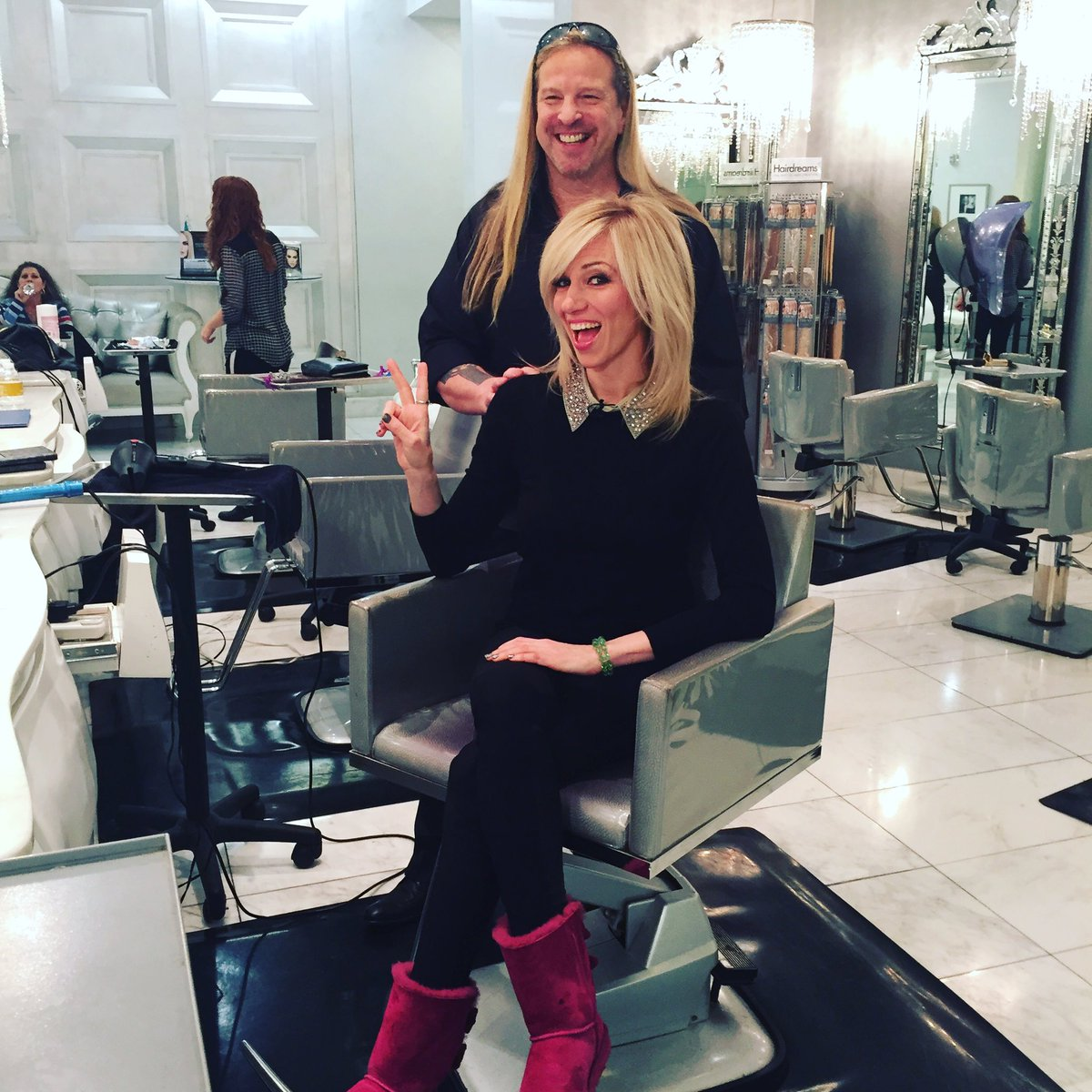On set today at @ColorSalonLV @CaesarsPalace with @extratv and @DebbieGibson! #BTS https://t.co/kyxfLcYDKe