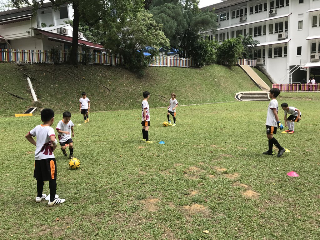 U11 Soccer team training hard for their next match in 2 weeks #isspride https://t.co/LmJPasI4nU