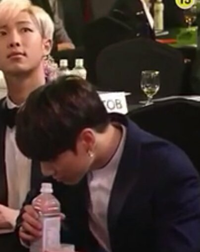 Why can\'t Jungkook never drink his water in peace at SMA, I\'m laughing #SeoulMusicAwards