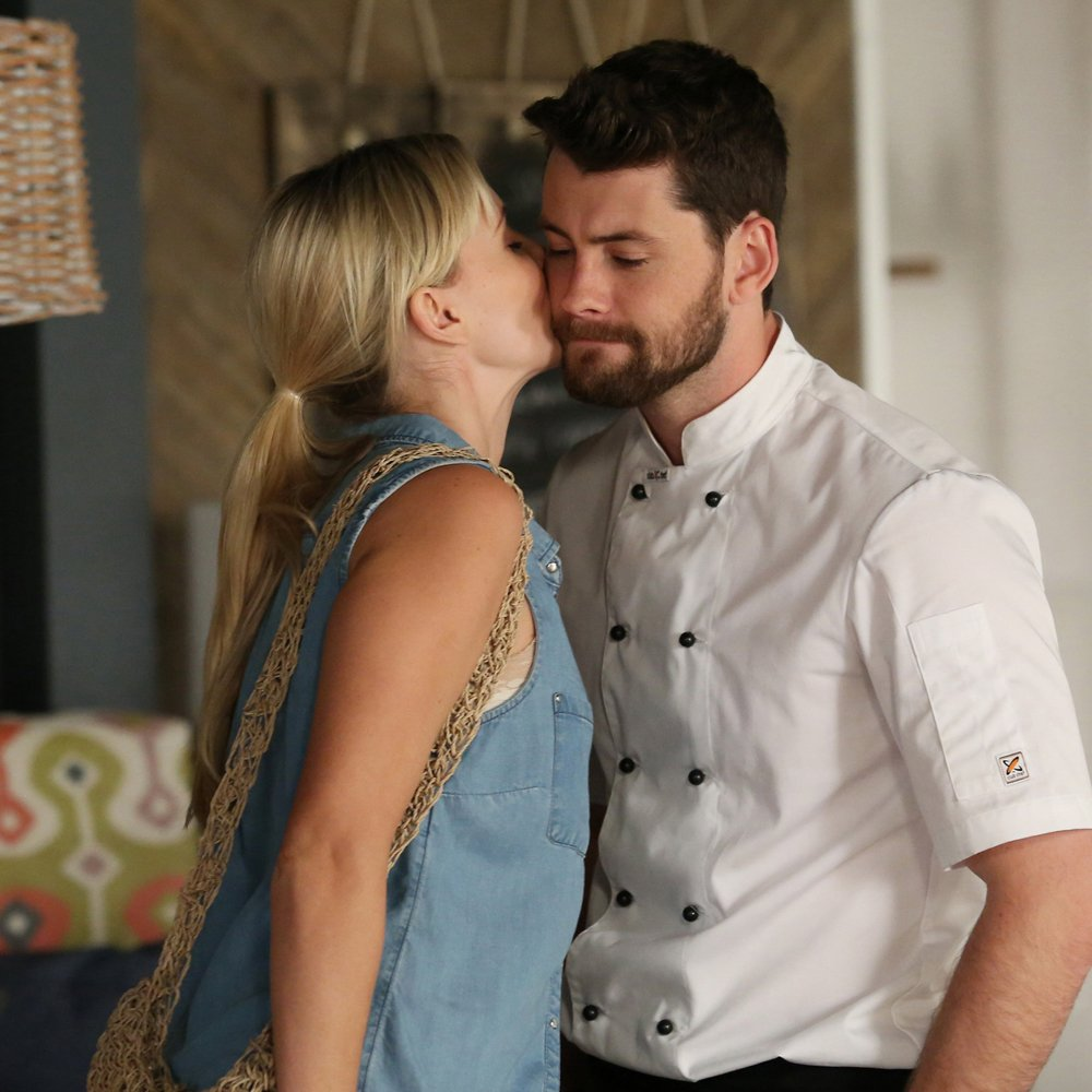 Good job Brody&#39;s a chef; things are getting pretty hot in today&#39;s #HomeandAway  <br>http://pic.twitter.com/dmzb0mjW6g