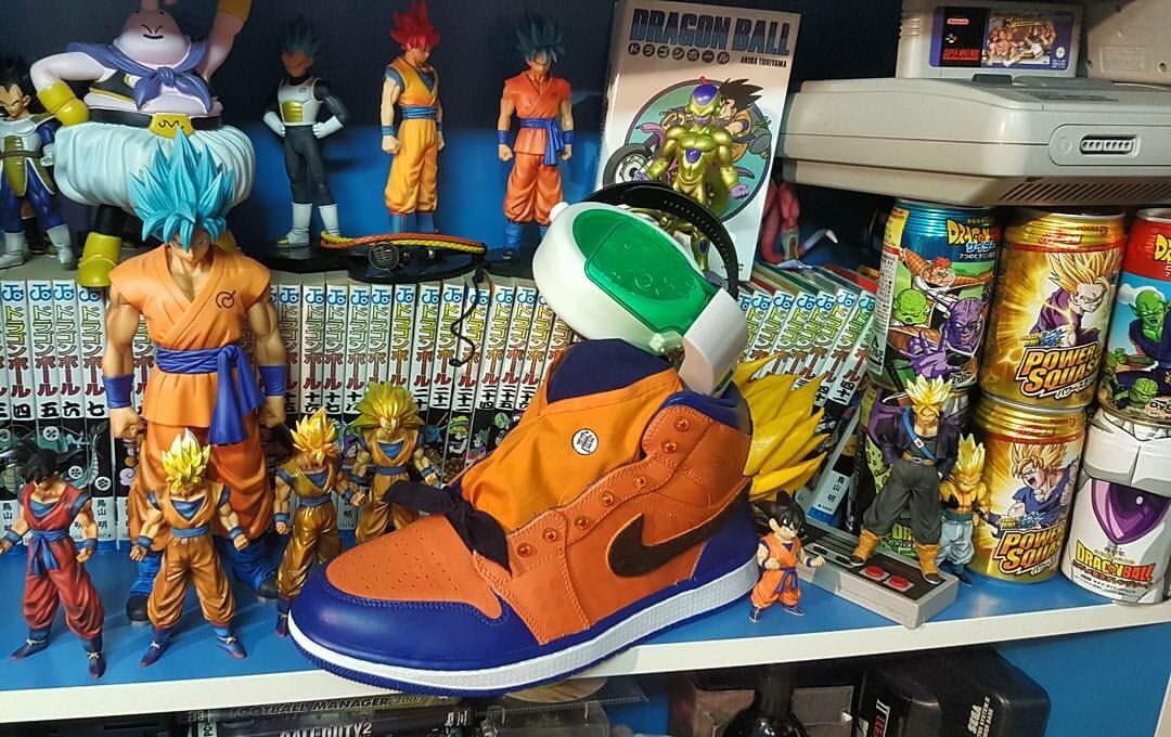 C&#39;est deja une pièce de collection  chez @vinzradio #thesneakers #sneakers #custom #kicks<br>http://pic.twitter.com/P1c6pRGouM
