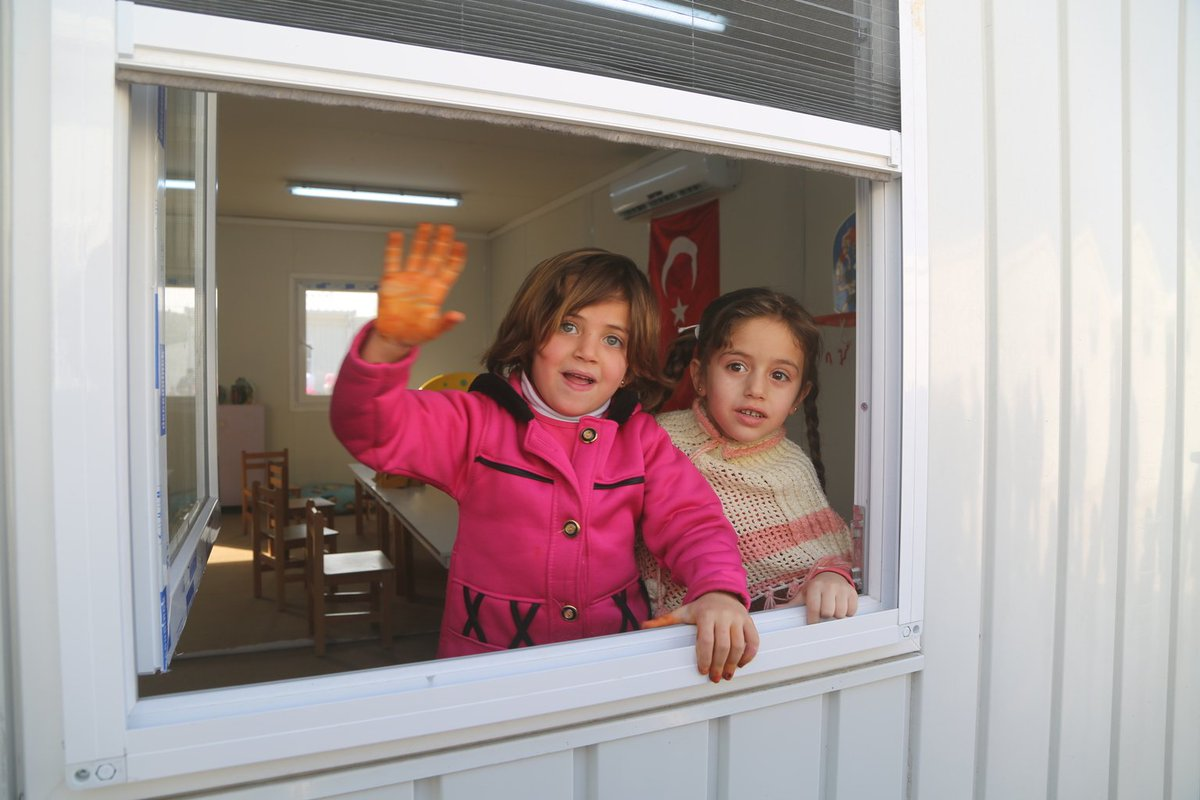 【トルコで暮らすシリア難民の子ども、4割が学校に通えず】 世界で最も多くの難民の子どもを受け入れてい…
