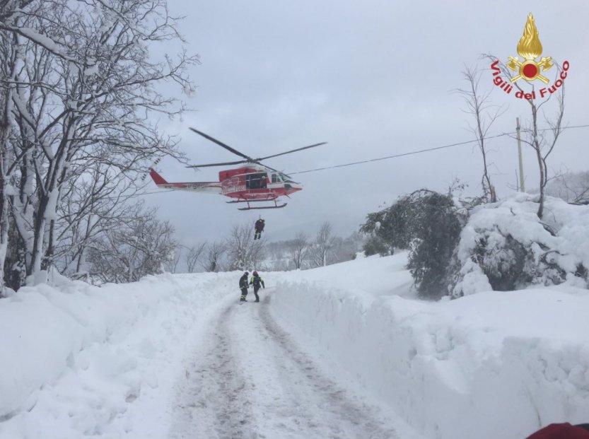 Elicotteri ex Forestale inutilizzati, scoppia la polemica. Interrogazione M5s: