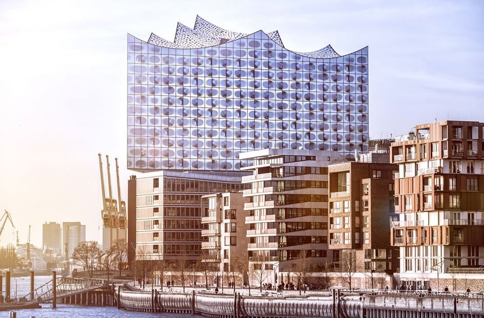 Hoy en #JuevesDeArquitectura 'Elbphilharmonie' de Herzog & de Meur...