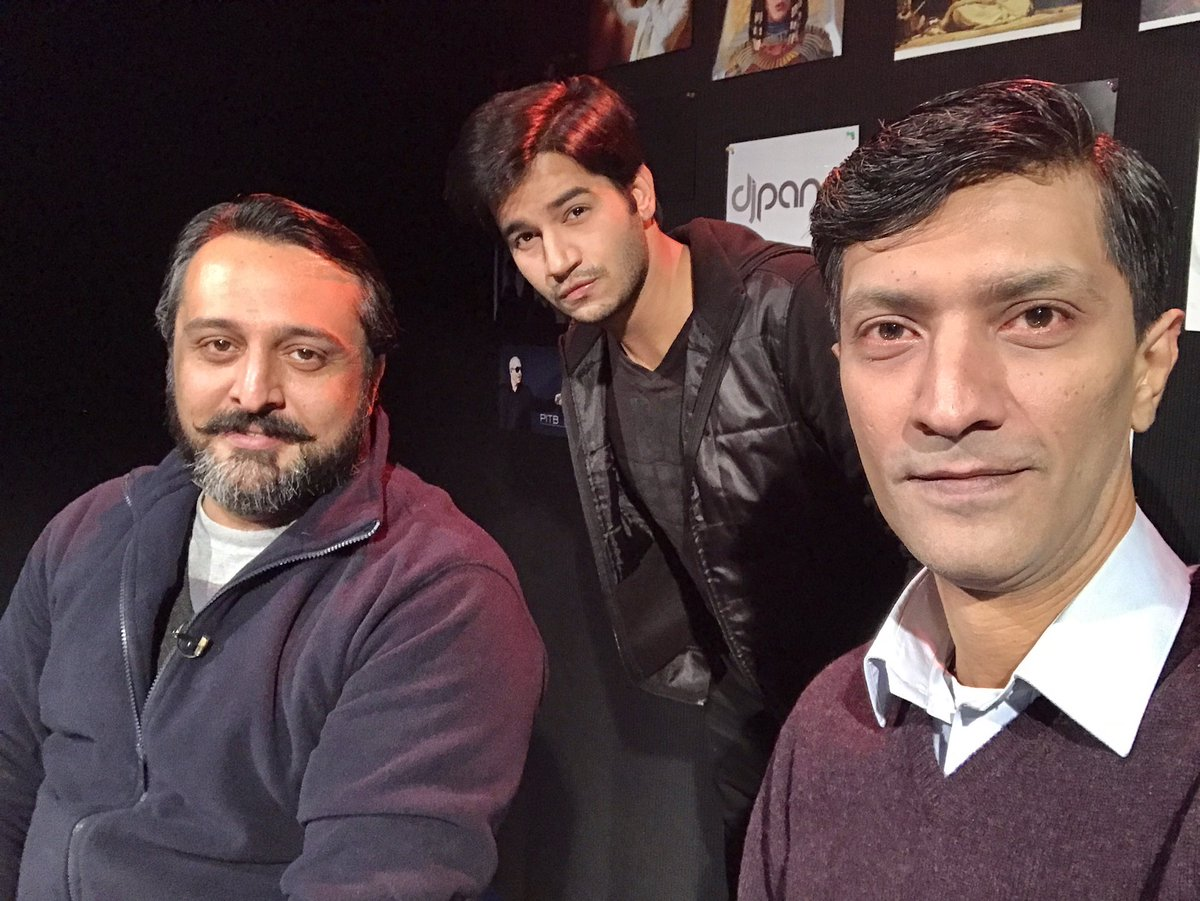 Last night in tv show as guest with 2 gems of FM industry, Dj A-xee and Dj Panni. Had great time #MoodMechanic #BeingImranHassan  #RJ <br>http://pic.twitter.com/Y3wRmZuSD7