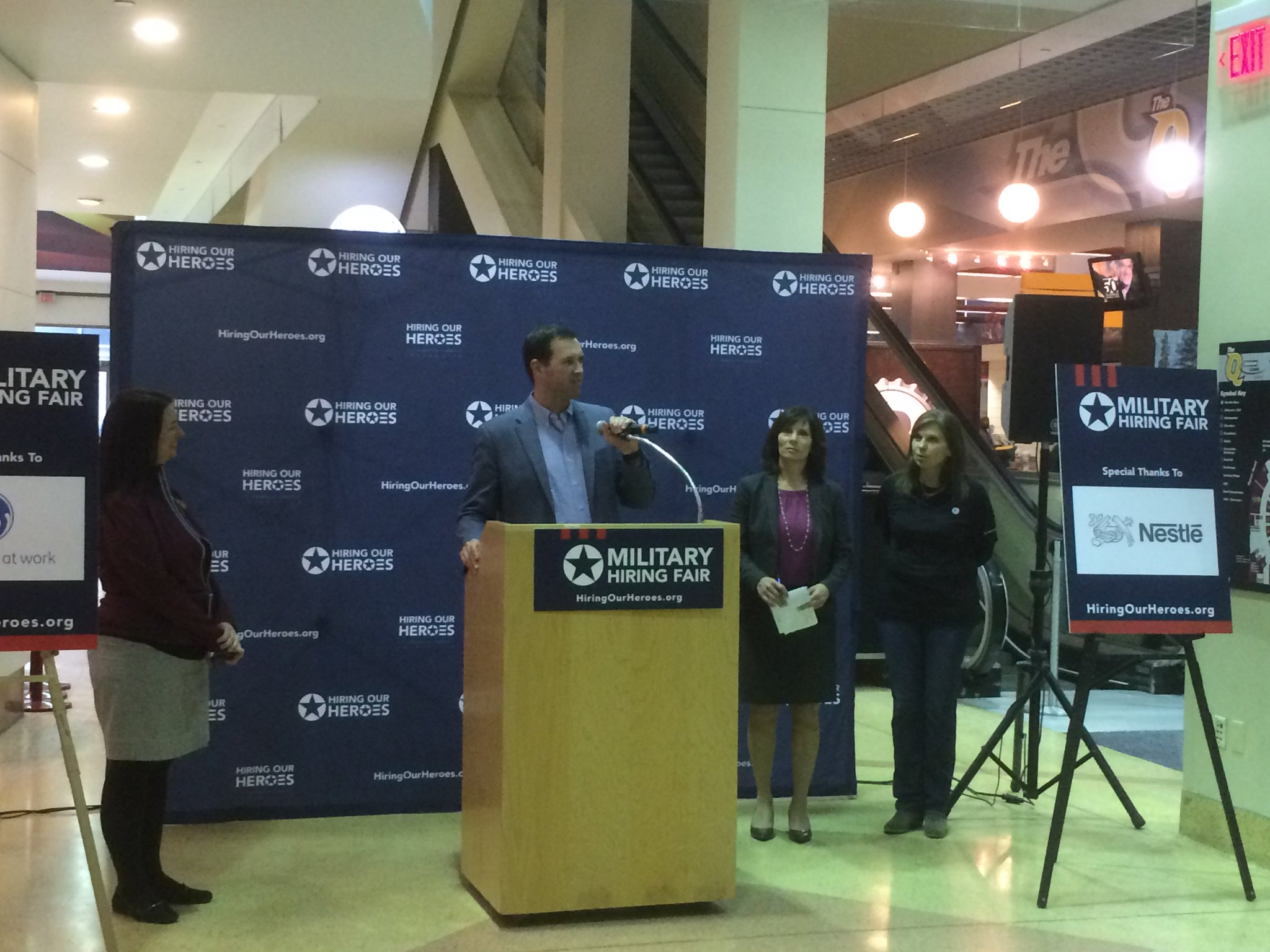 .@EricEversoleHOH gets the program rolling at today's #Cleveland #veteran hiring expo, welcoming employers and job seekers to @TheQArena. https://t.co/kpyybeQKfH
