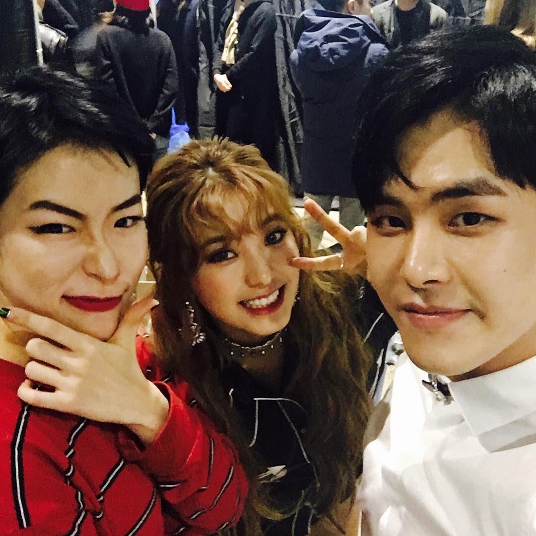 [IG] #infinite #Hoya uploaded a pic with #sistar #Bora on his IG account to wish happy birthday to Hyojin (the girl next to bora)| #씨스타 #보라<br>http://pic.twitter.com/bHLhzEkqra