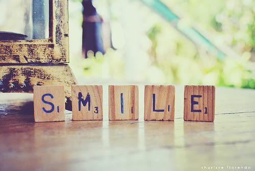 Um #diafeliz começa com um #sorriso no rosto! #BomDia<br>http://pic.twitter.com/usfzlv4hjw