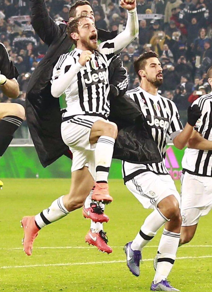 Tanti auguri, @ClaMarchisio8! 🎂⚪⚫ #amici #ilprincipino #buencompleanno...
