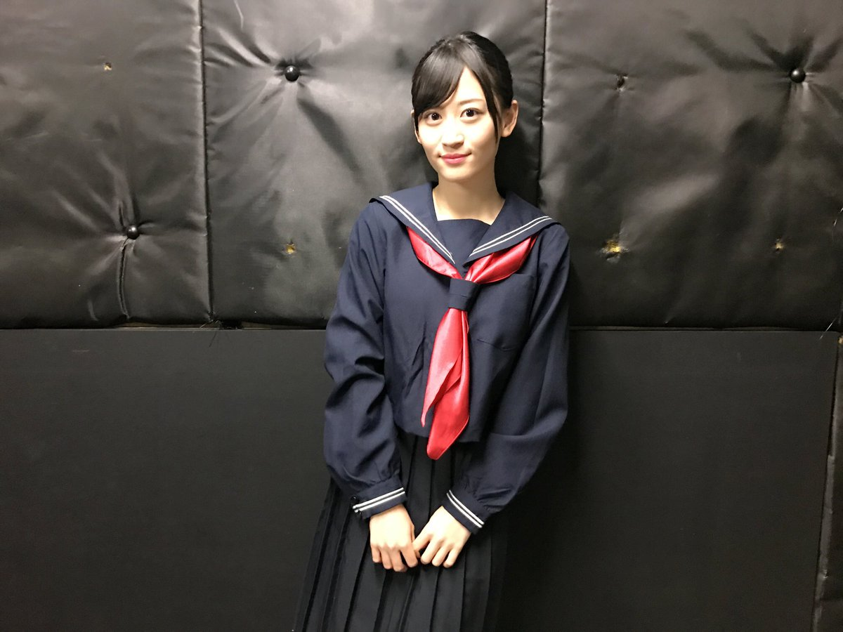 """この座布団は、 ジャンポケの斉藤さんが""""寒いでしょ!""""って持って来て下さったのです😭優しい 因みに、…"""