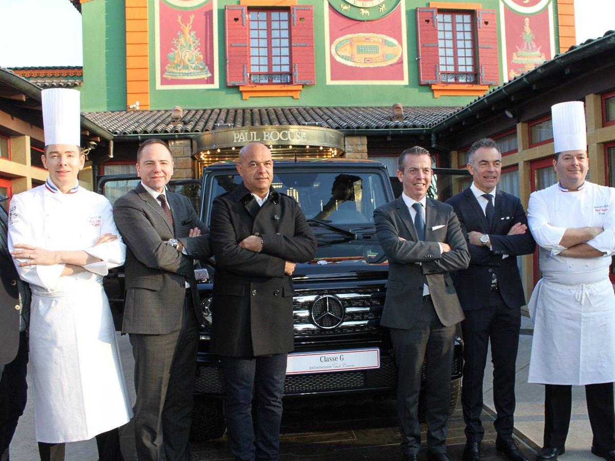 Mercedes offre une nouvelle étoile ... et une voiture à @PaulBocuse  http:// picta.fr/u/2y25  &nbsp;   (@LyonMag) #people <br>http://pic.twitter.com/jkfSpCm8rH