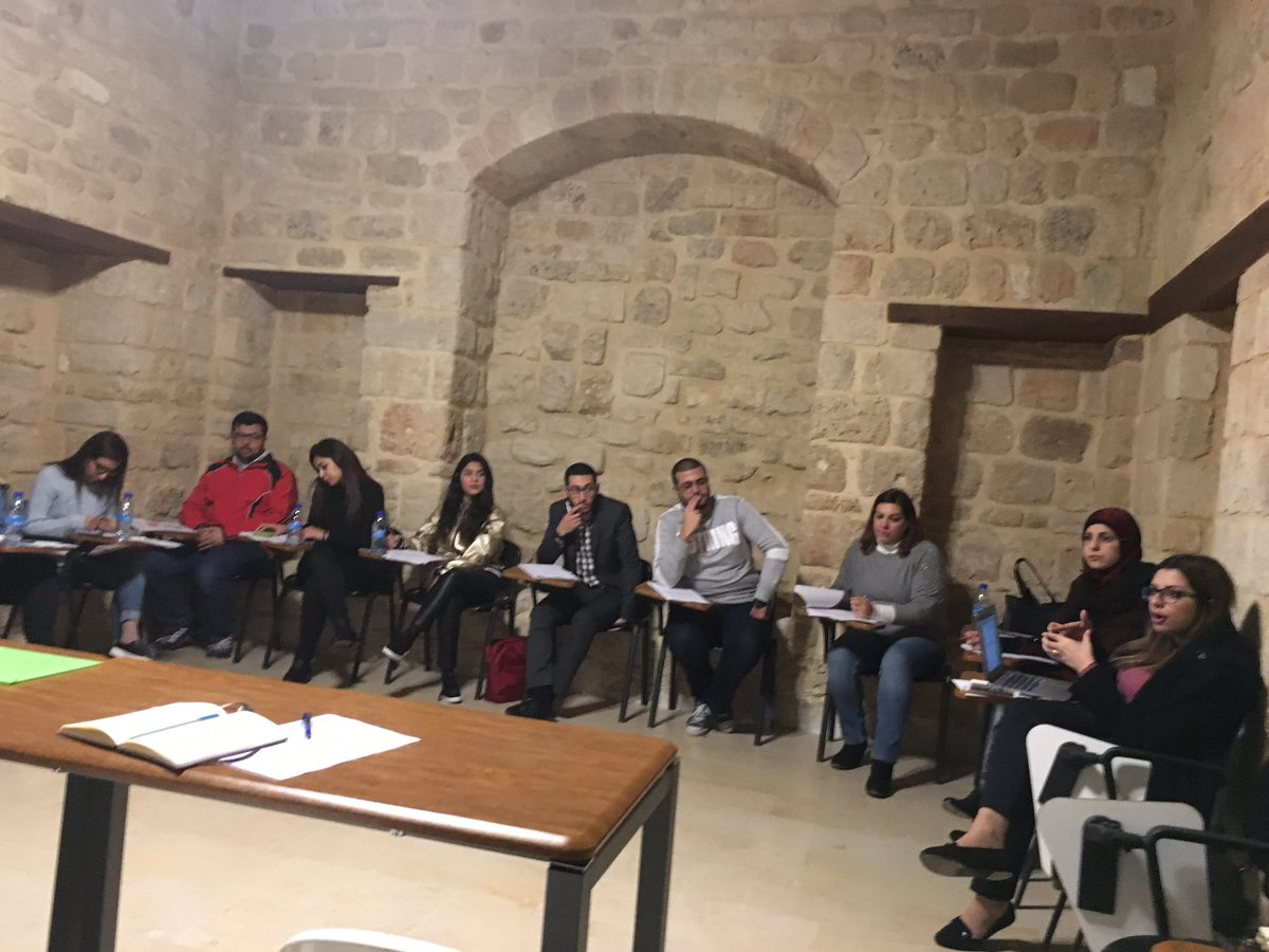 Coaching session w/ youth from #Saida to develop their #citizenship &amp; #PVE projects in framework of #ACEP proj.<br>http://pic.twitter.com/qUSMLRBC3e