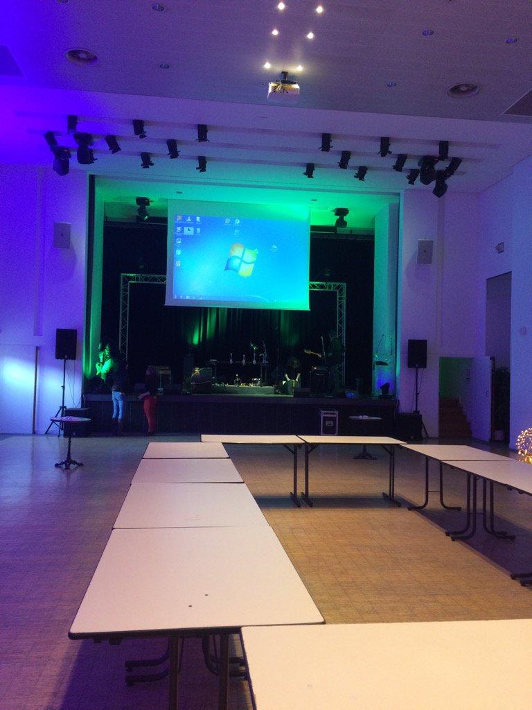 La soirée des vœux se prépare! #visitalencon #alencon365 #happynewyear <br>http://pic.twitter.com/neeLa9qznW