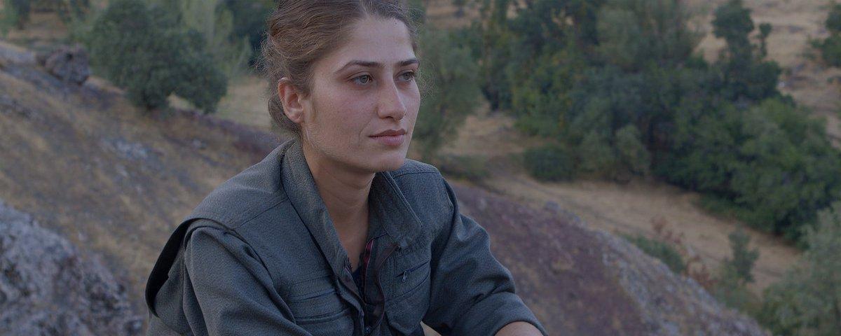 À lire dans le @voir! « Gulîstan, terre de roses : Tu sauras comment être libre » --&gt;  http:// bit.ly/2k7XEBK  &nbsp;   #kurdistan #feminisme #EI<br>http://pic.twitter.com/McznSb1hdW