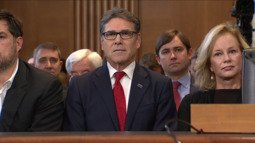 At least Rick Perry has his 'I'm a smart person' glasses on. https://t...