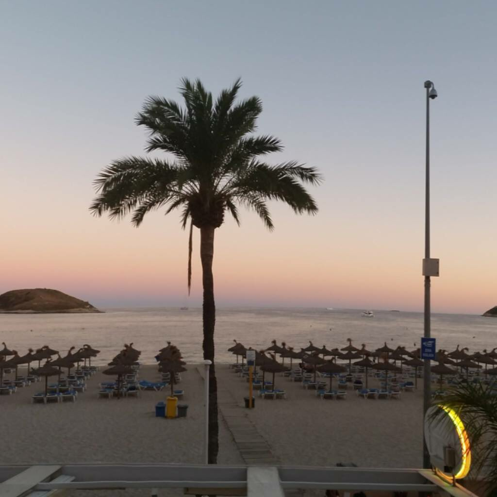 #Magaluf is waiting for you <br>http://pic.twitter.com/4VBePbLGMu