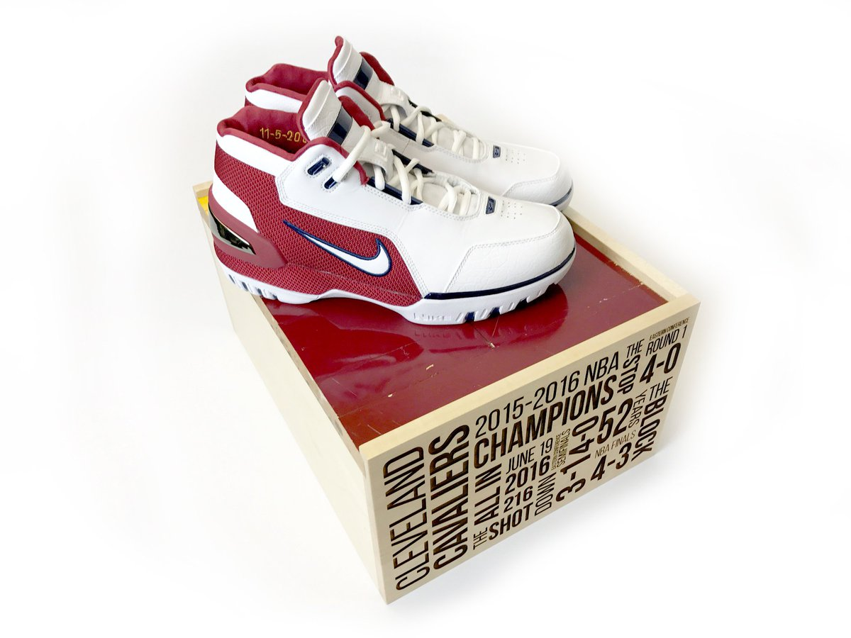 8d8cb9f3a98 ... ends at 11 59 PM ET tonight! https   stockx.com nike-lebron-1-air-zoom- generation-retro-first-game-2017-cavs-court-pack …pic.twitter.com WyhMRE2CO5