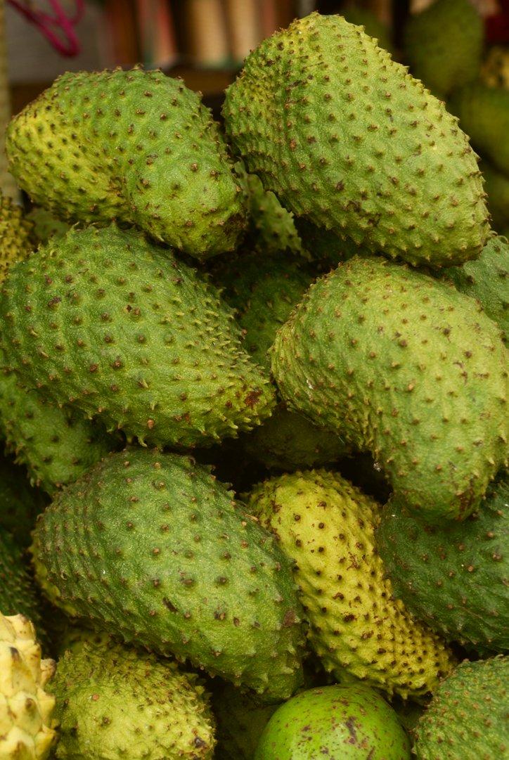 Le chérimol ou corossol est un #superfood et à #Madagascar vous pouvez le savourer en jus  http:// bit.ly/superfoodcoros sol &nbsp; …    Karim Nari<br>http://pic.twitter.com/QGfzSuqzQm