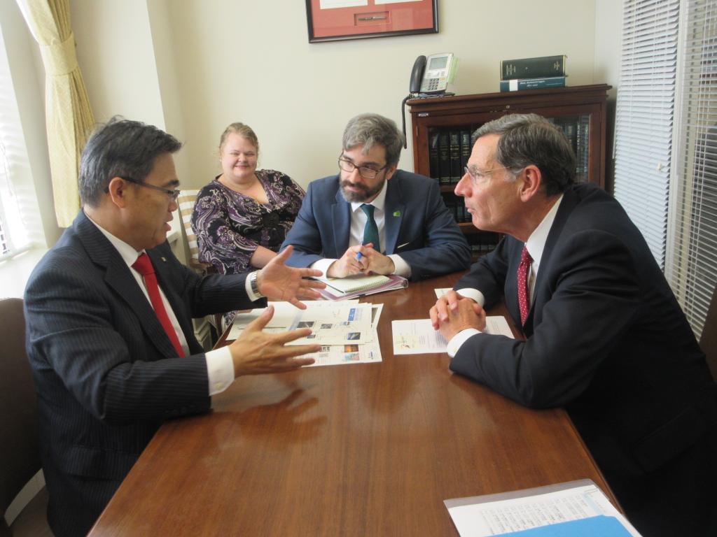 バラッソ氏は、昨年3月に来日し、安倍総理と面談し、リニアに試乗。新幹線にも。愛知は、自動車、航空宇宙…