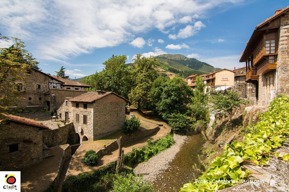 #Potes: an idyllic landscape and delicious food. What are you waiting for? Come visit it! #VisitSpain #Cantabria <br>http://pic.twitter.com/mHcSXwZyXa