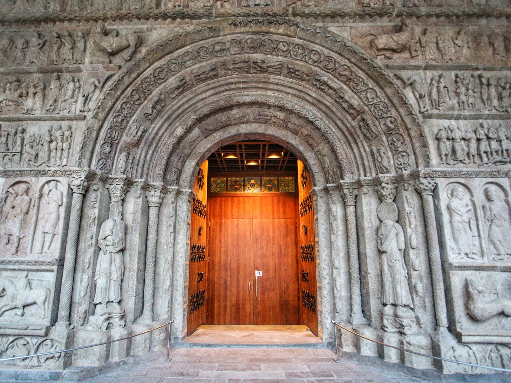 The beautiful Monastery of Santa Maria de Ripoll! #inPyrenees #visitPyrenees https://t.co/a7aldFCWlI