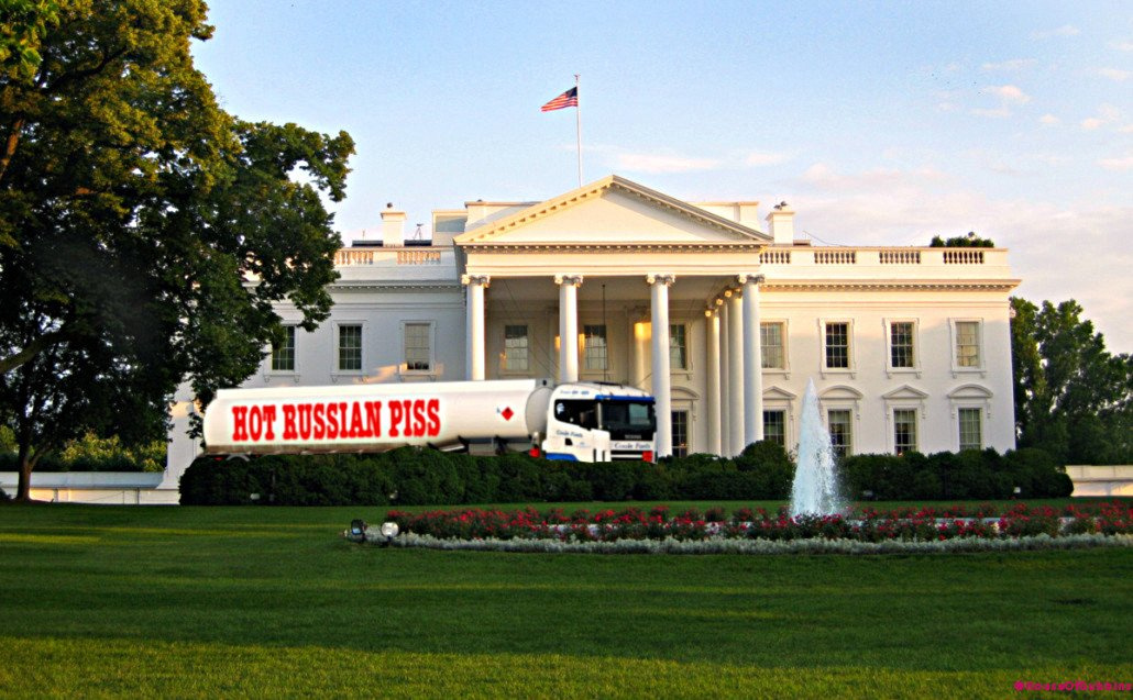 Catering trucks begin to arrive at the White House. #TrumpInauguration https://t.co/5t4hNNxnnc
