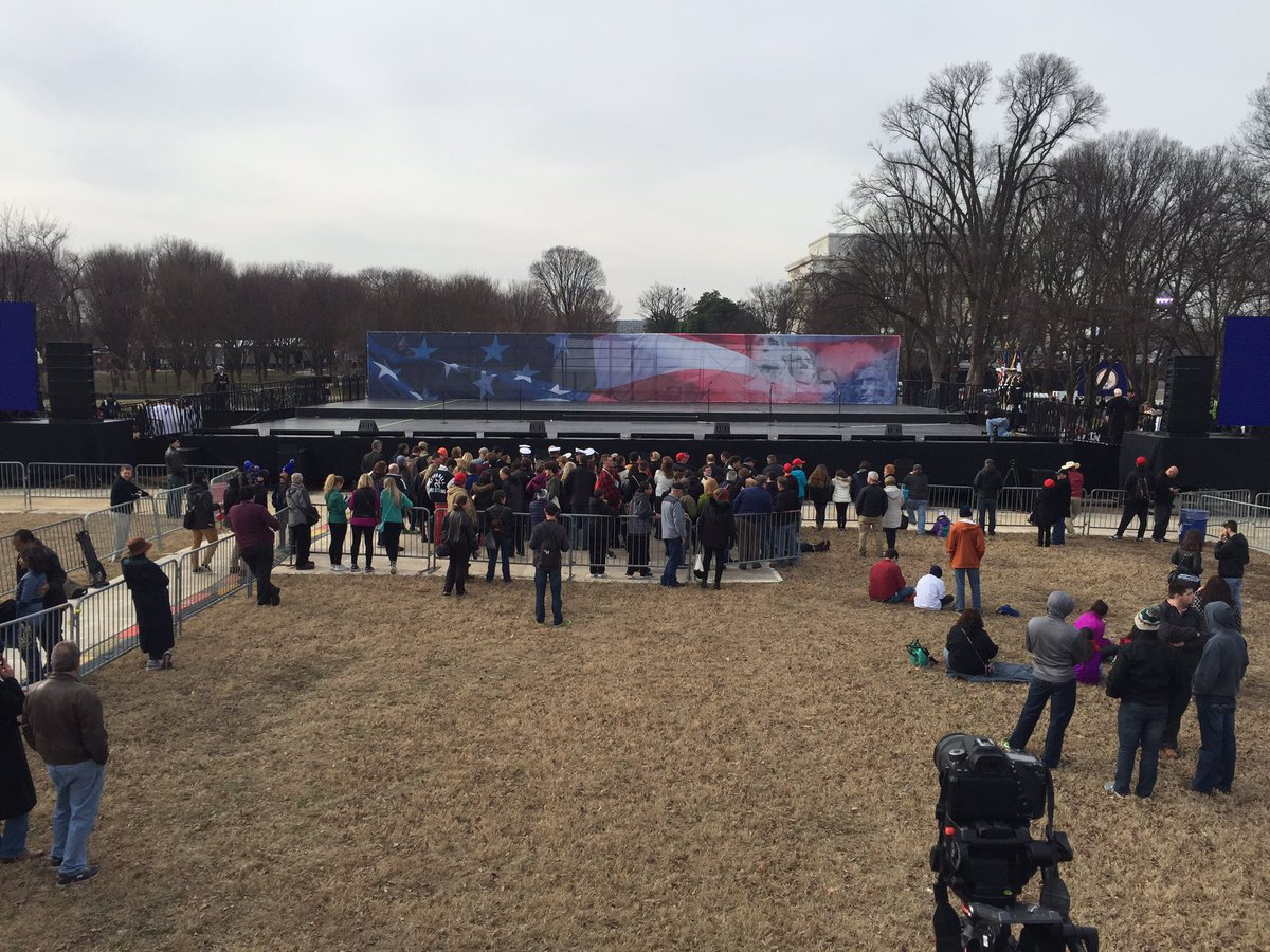 About 50 people on hand for #inaug2017 Voices of the People concert on National Mall. https://t.co/MWfHWPNtwo