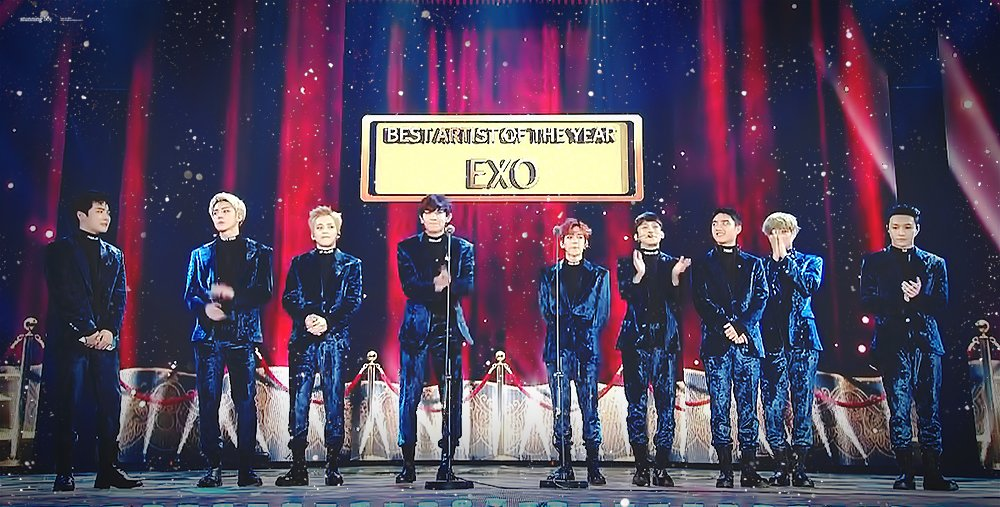 #EXO sweeps the Daesang at award ceremonies this year