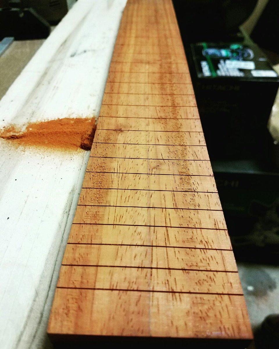 #luthiers #handmade #builder #guitarbuilders #woodwork follow on Instagram @disstrikt3<br>http://pic.twitter.com/dqZ0iyYfV1