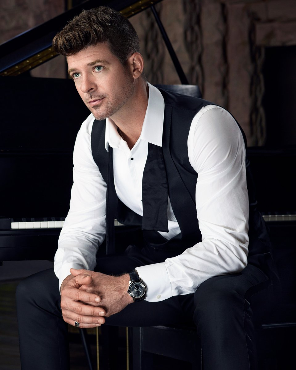 Robin thicke Nude Photos 50