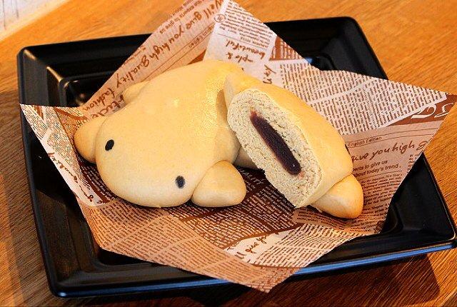 オオサンショウウオの形がキュートなオオサンショウウオまん!カフェでどうぞ。 #オオサンショウウオ