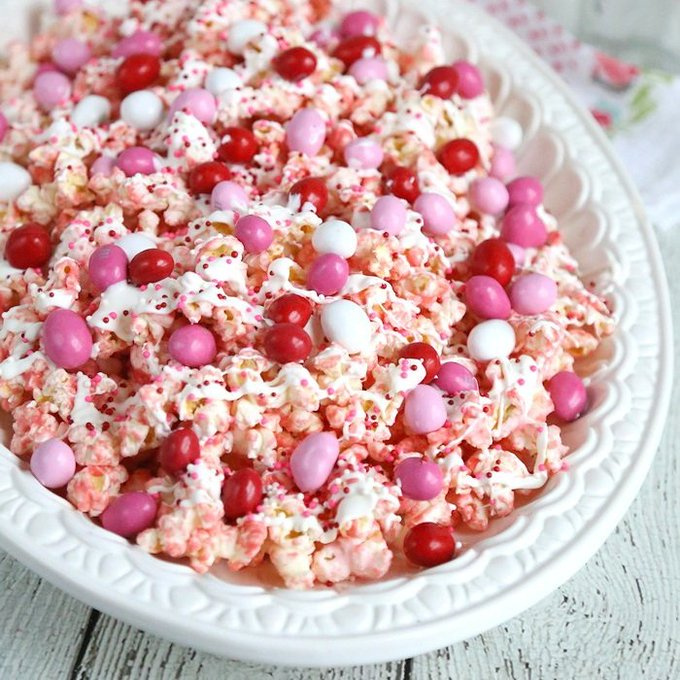 Valentines Day Popcorn Recipe: Pink Chocolate Covered Popcorn
