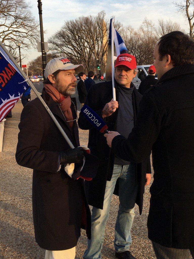 Des supporters de Trump interviewés par Russia Today la chaîne de Pout...