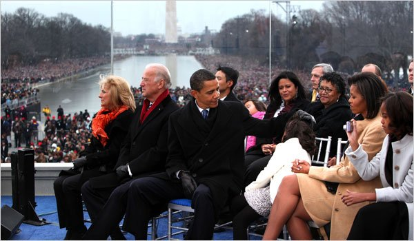 """I don't know if it's ever been done before,"" Trump says of inauguration concert at Lincoln Memorial. Here's Obama doing it in 2009."