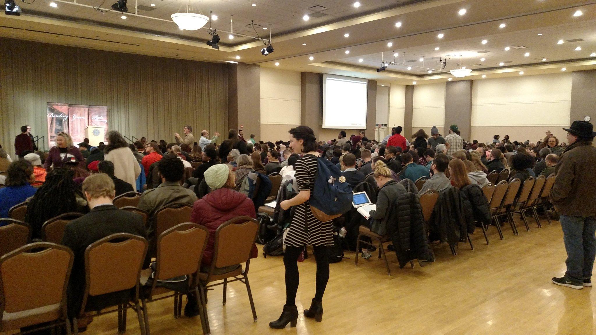 The crowd arrived early to hear Dr. Cornell West speak. @CornelWest #BGSU https://t.co/QWnvtQOH8M