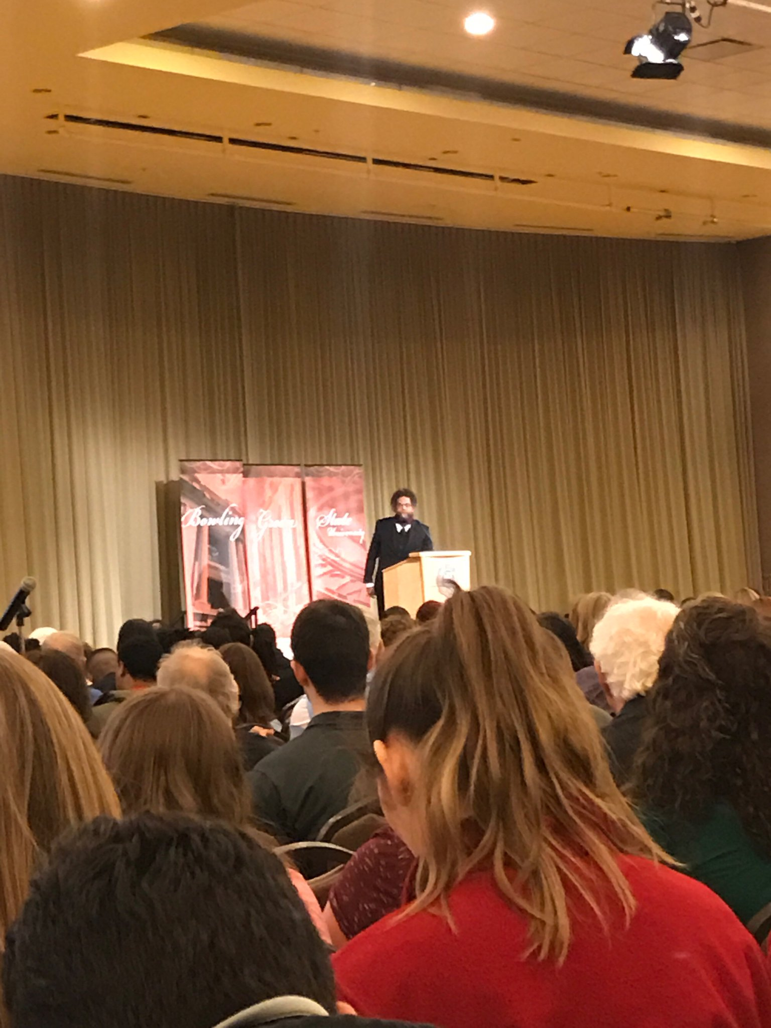 Cornel West speaking now at @bgsu. MLK not an icon in museum, but a wave in the ocean. https://t.co/YJC0JV7NlV