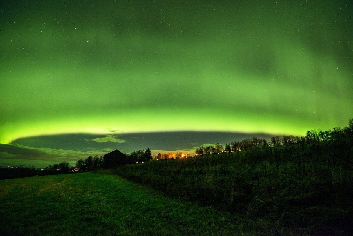 Art of Northern lights #Norrsken. Thanks to @63northphoto #Auroraborealis #StormHour<br>http://pic.twitter.com/gHzU3B0aJp