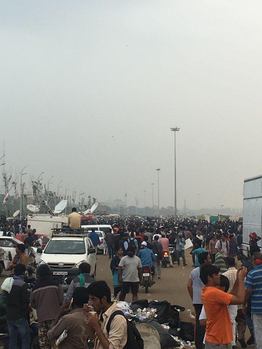 Morning 7 am at marina - wow- #JusticeforJallikattu https://t.co/pJoCMAlPpJ