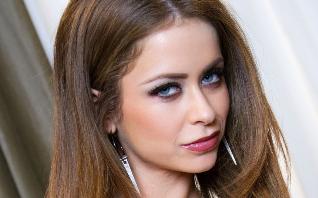 #Emily Addison - Twitter Search