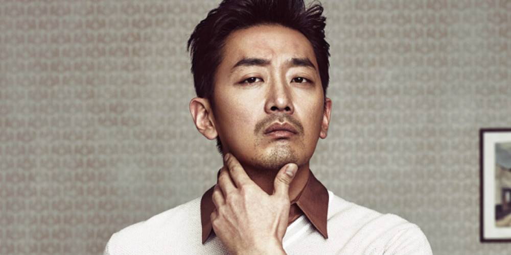 Ha Jung Woo signs with Jung Woo Sung and Lee Jung Jae's label Artist C...