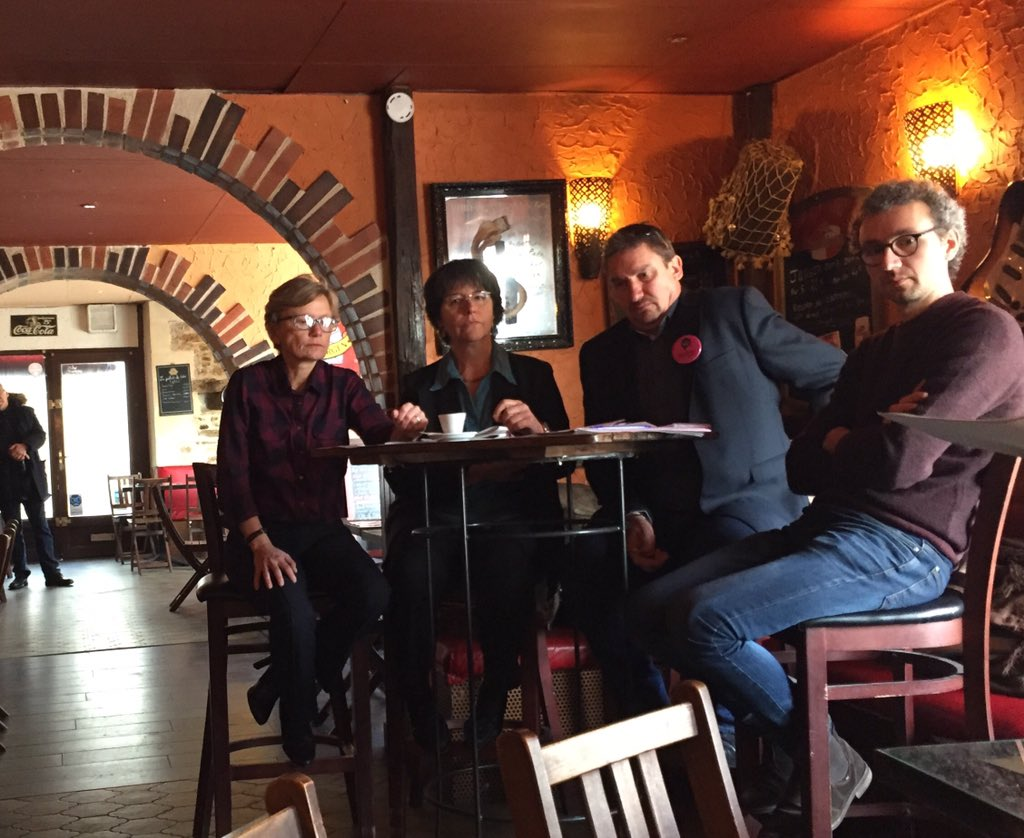 Ce matin, la #commission du #grandDebat rencontre les journalistes locaux pour un point étape à mi-parcours #nantestransitions<br>http://pic.twitter.com/6OH7KsJCas